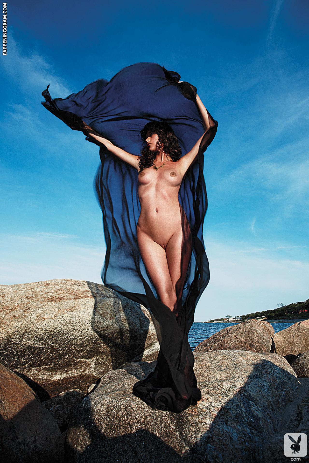 paz de la huerta naked