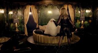 Phoebe Dynevor Nude Leaks