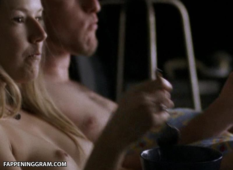 Nicoll Emily nackt Vere  EMILY VERE