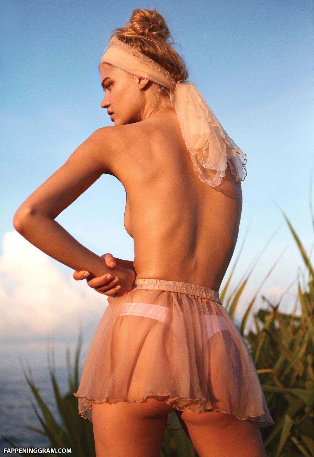 Rebecca Szulc Nude