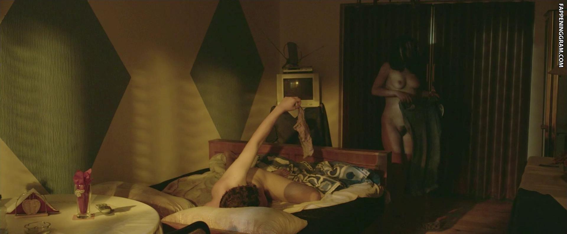 Petzoldt nackt Roberta  Deal (2012)