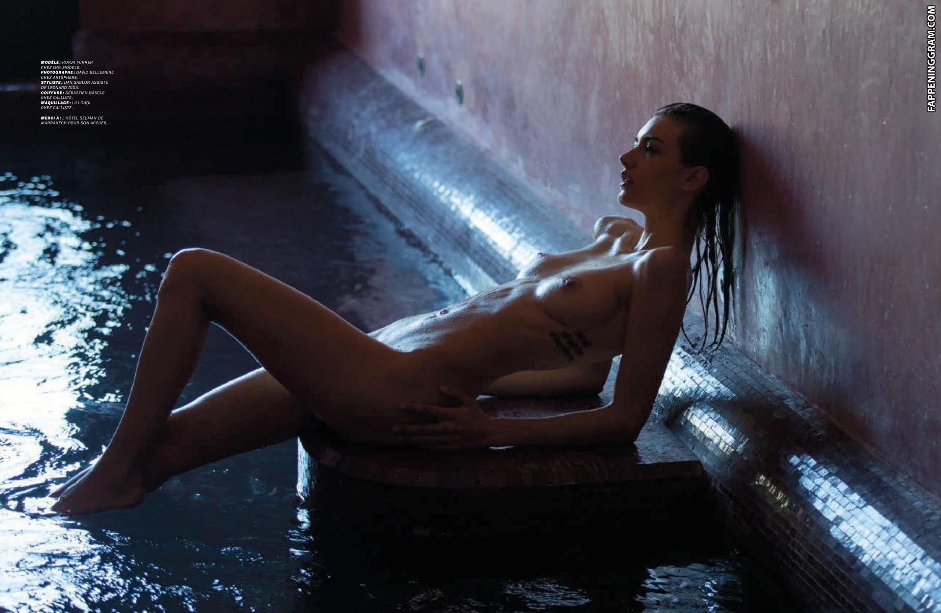 Veldman nackt Sasha  41 Sexiest