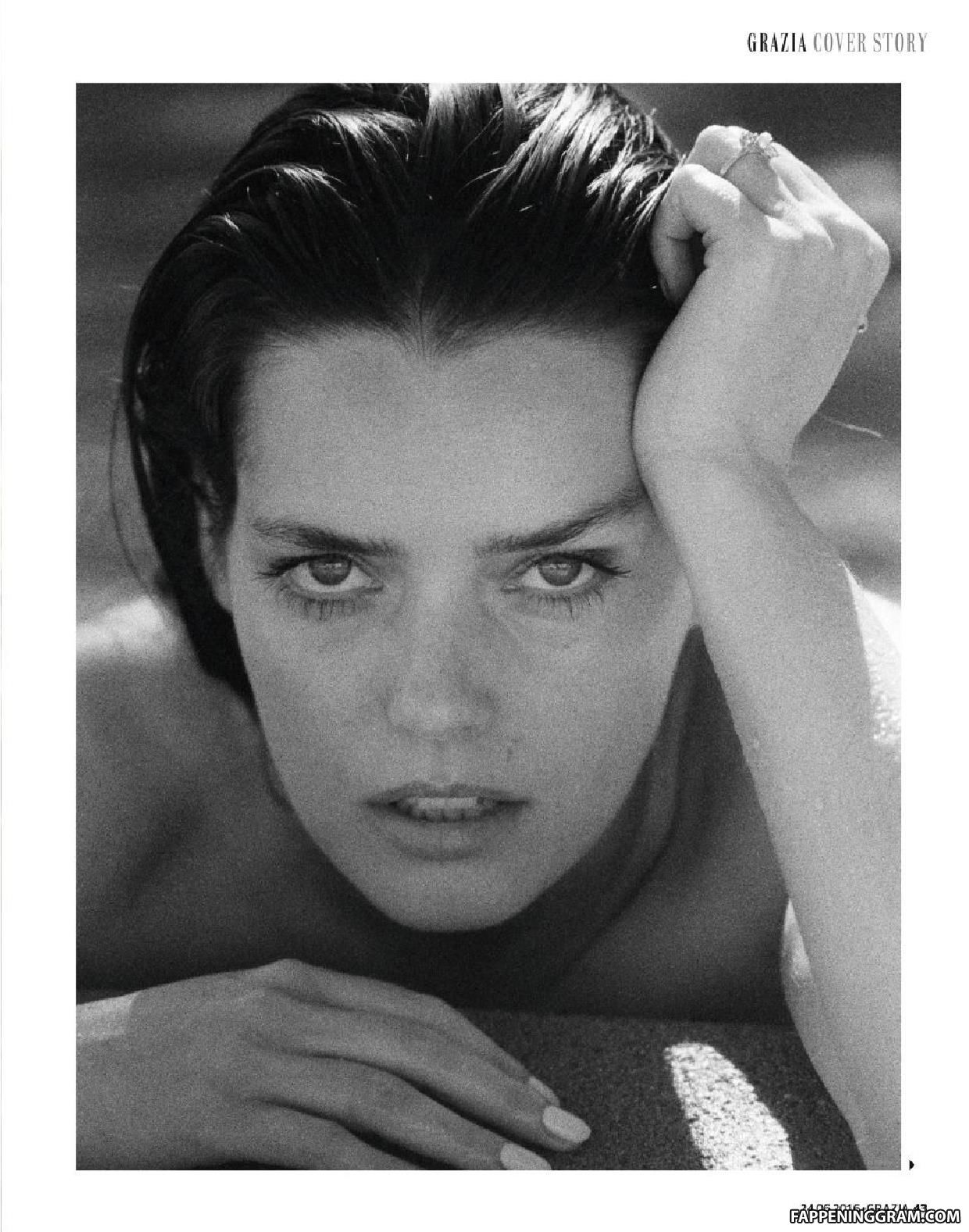 Roxane Mesquida Nude