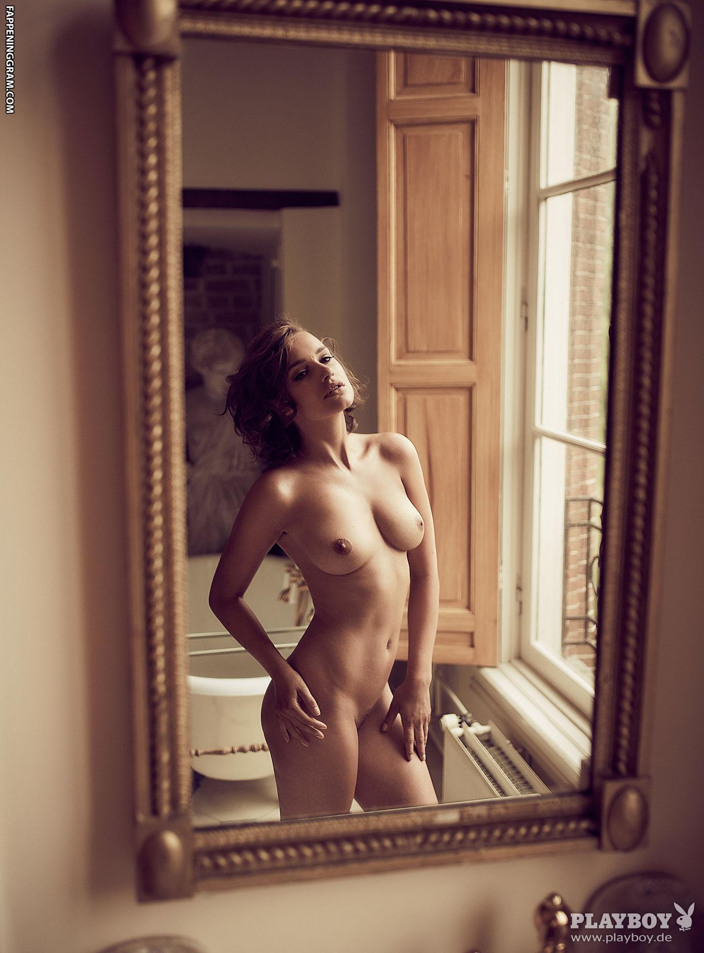 Angela Hazeldine  nackt