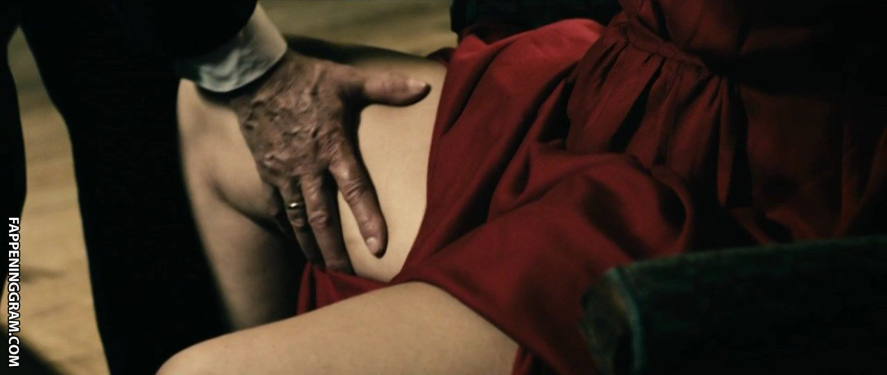 Tiffany Anne Hughes  nackt
