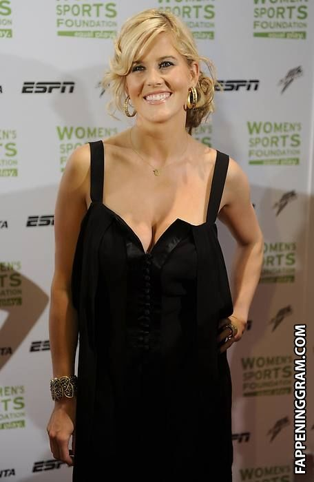 Nackt Sarah Burke  Celebrities Nude