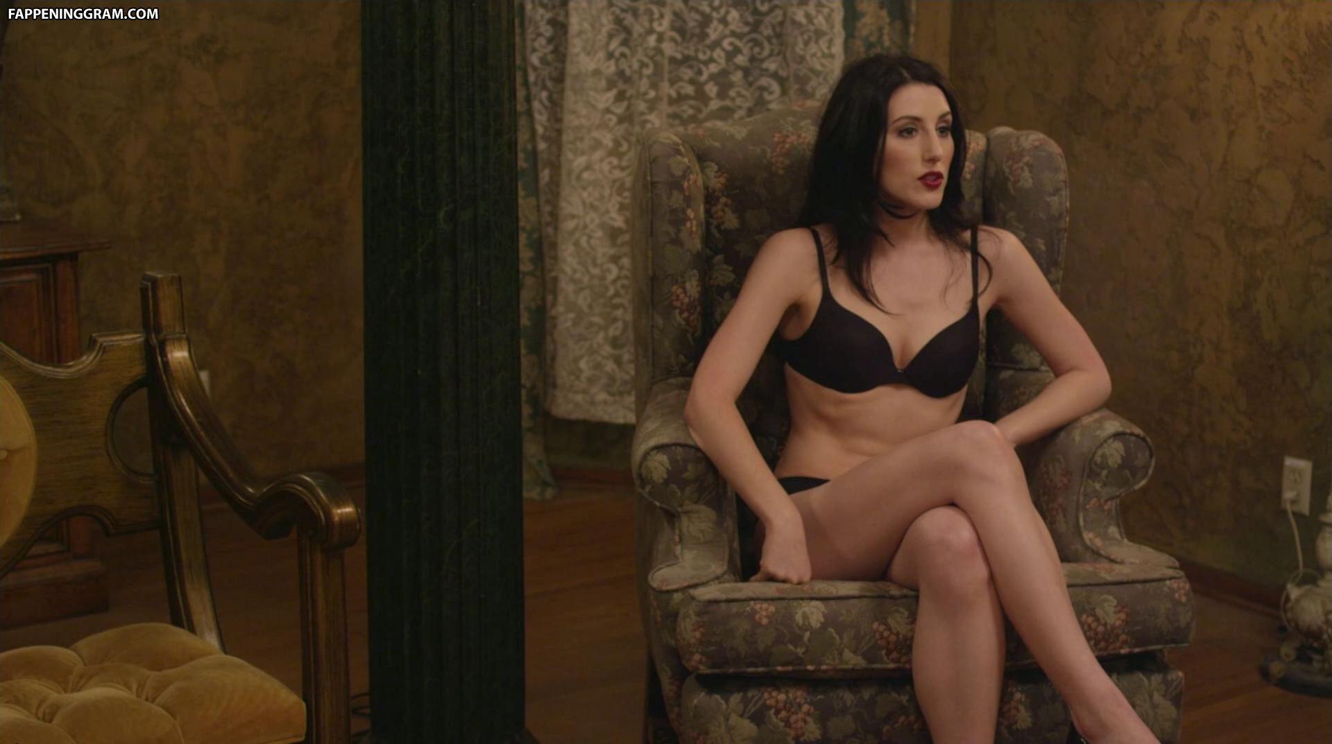 Courtney Lercara  nackt