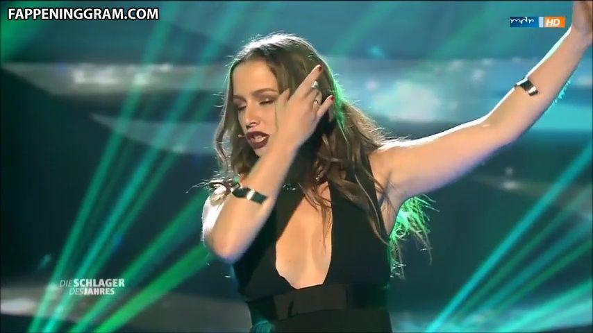 Senta-Sofia Delliponti Nude
