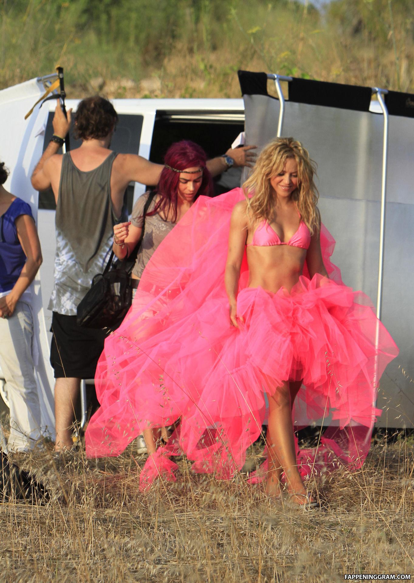 Shakira Nude