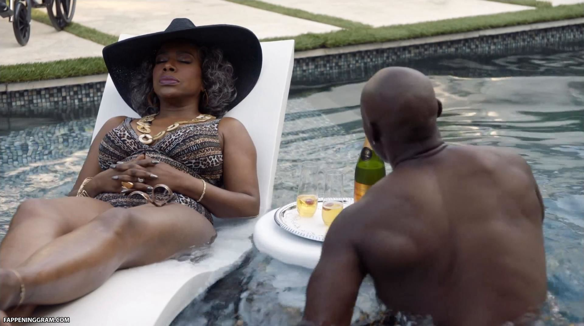 Naked Sheryl Lee Ralph In Claws Ancensored