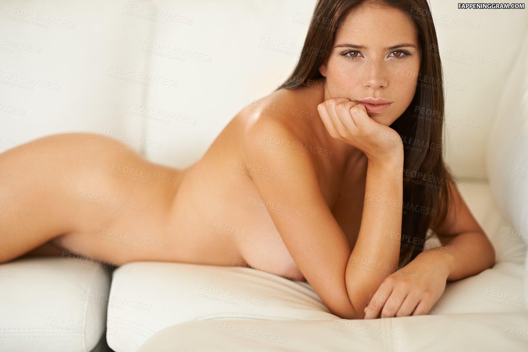 Ariirau nackt Tekurarere iPad: Nude