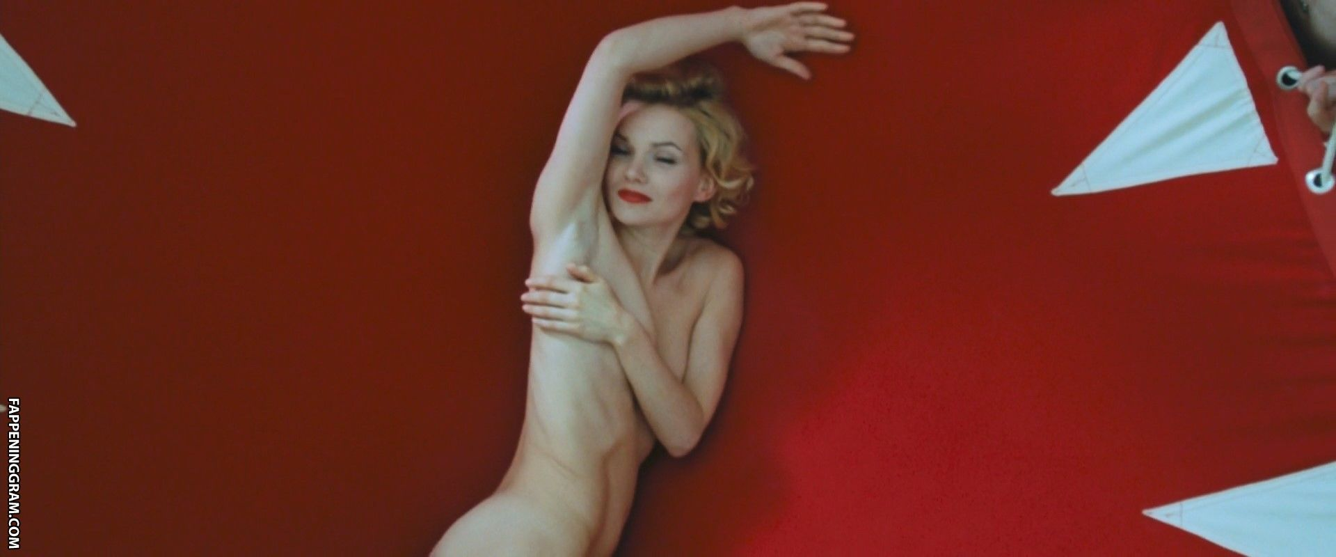 Sophie nackt Habboo Sophie Habboo