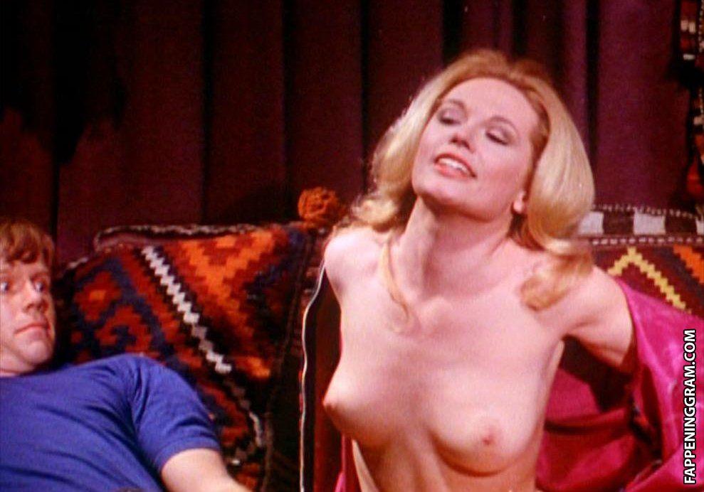 Juliette Darche  nackt