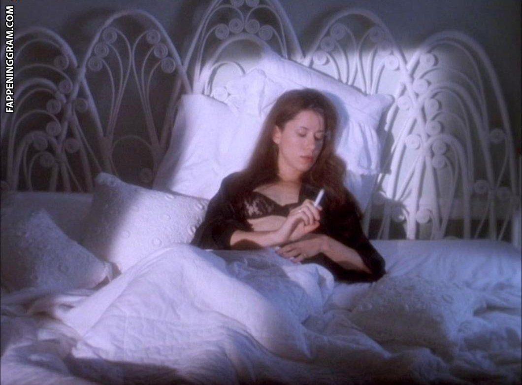 Darrow  nackt Sybil Film Review: