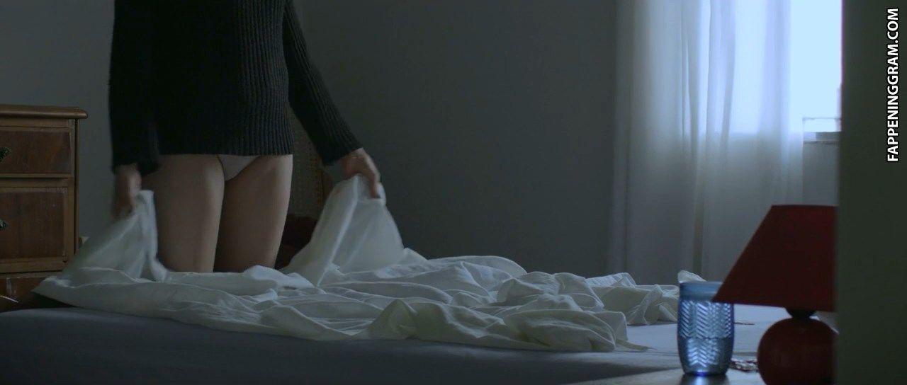 Gillian Ferrabee  nackt