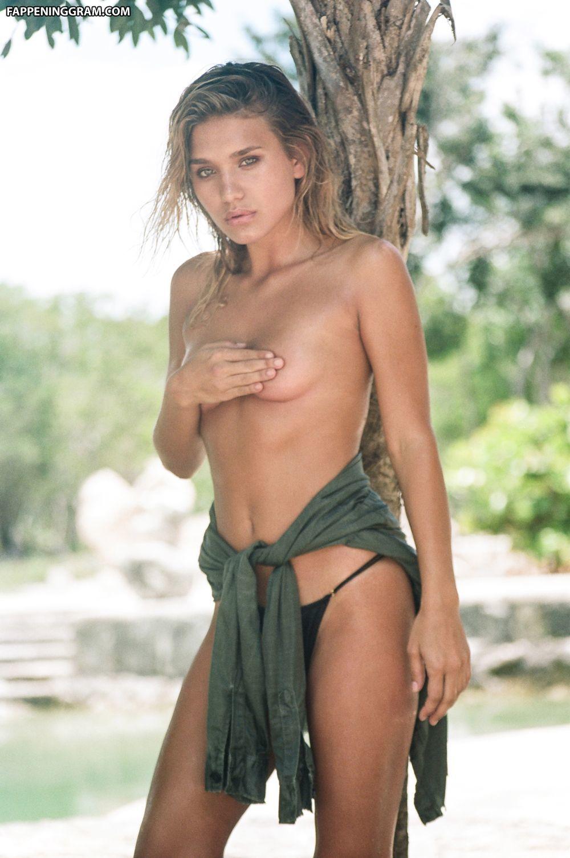 Tara nackt Lynn Model Tara