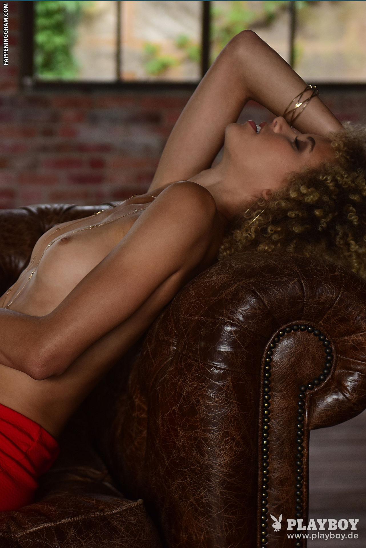 Renette Kaye Johnson  nackt