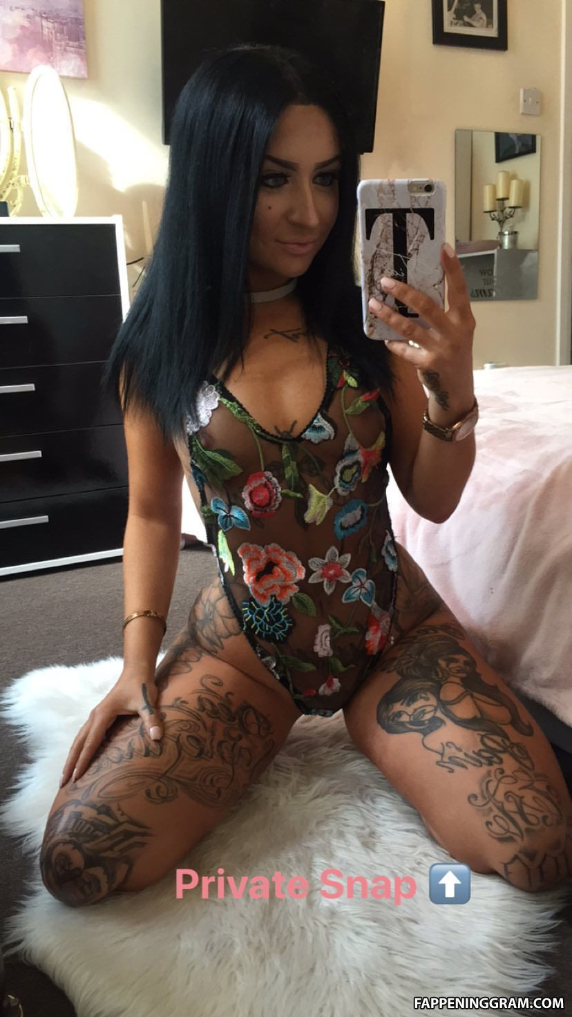 Tia Mendez  nackt