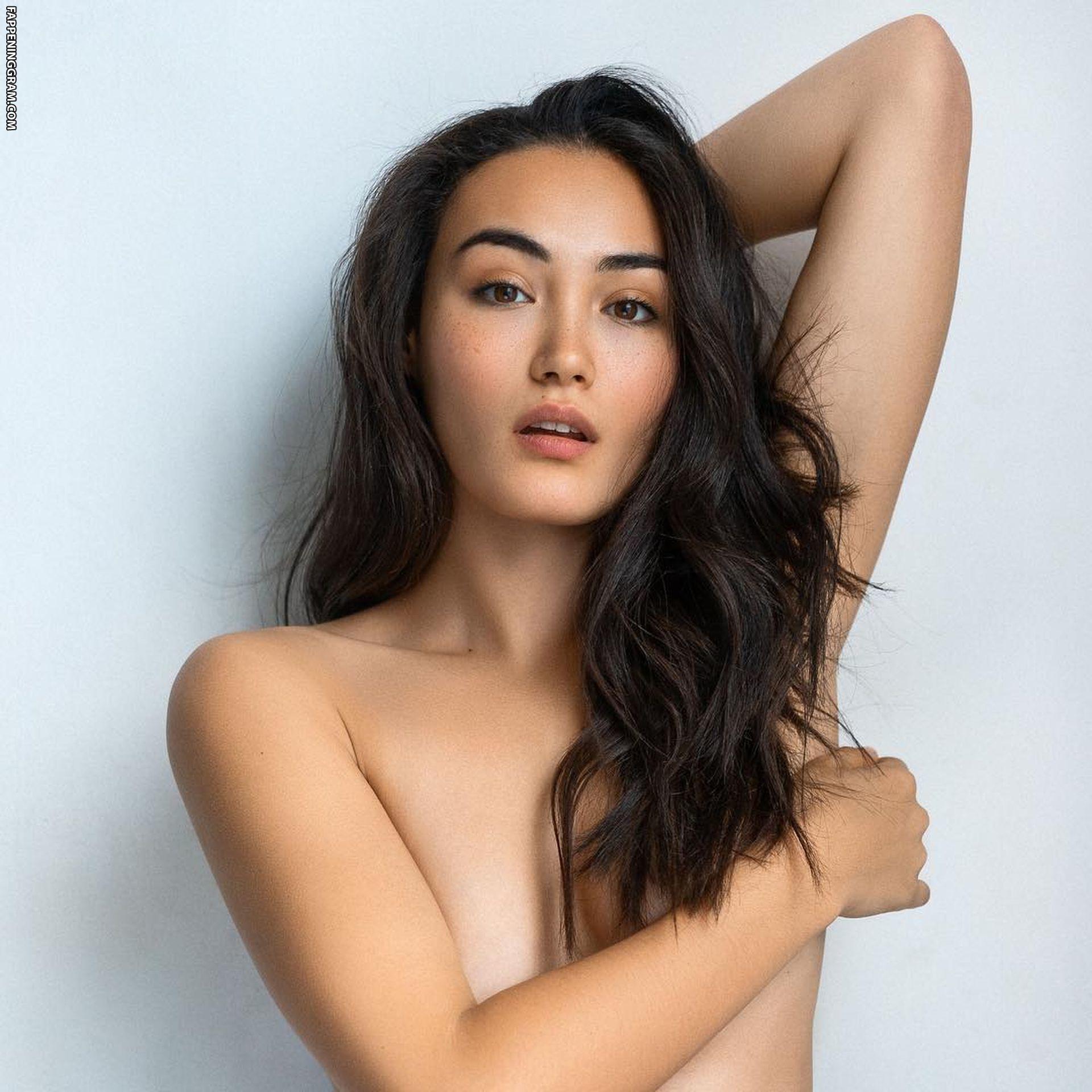 Tiffany Mizuki Hirth  nackt