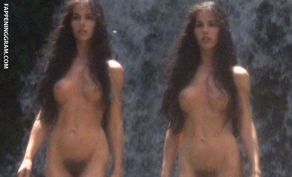 Hilty Bowen Nude