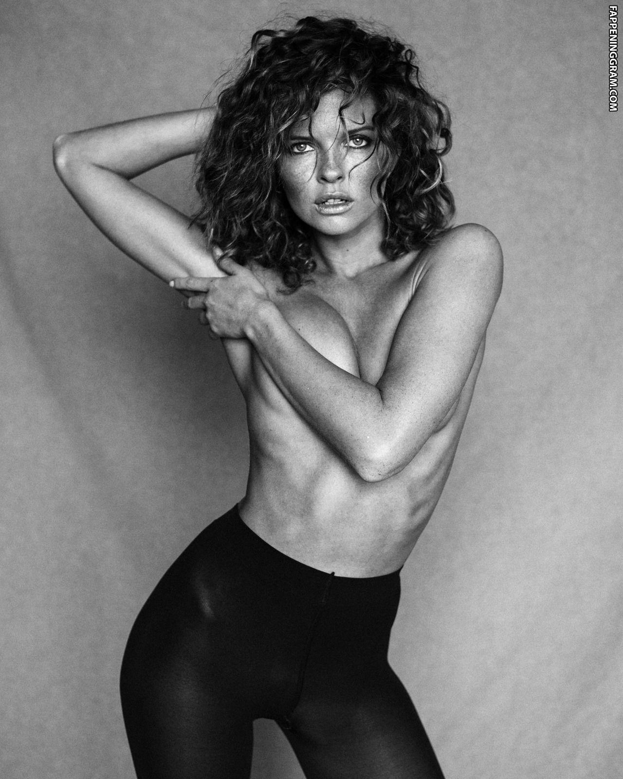 Carla Ziegfeld  nackt