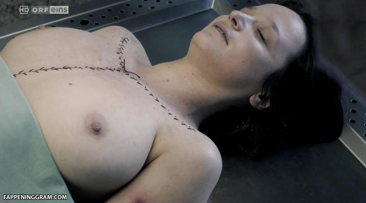 Madeleine Lebeau  nackt