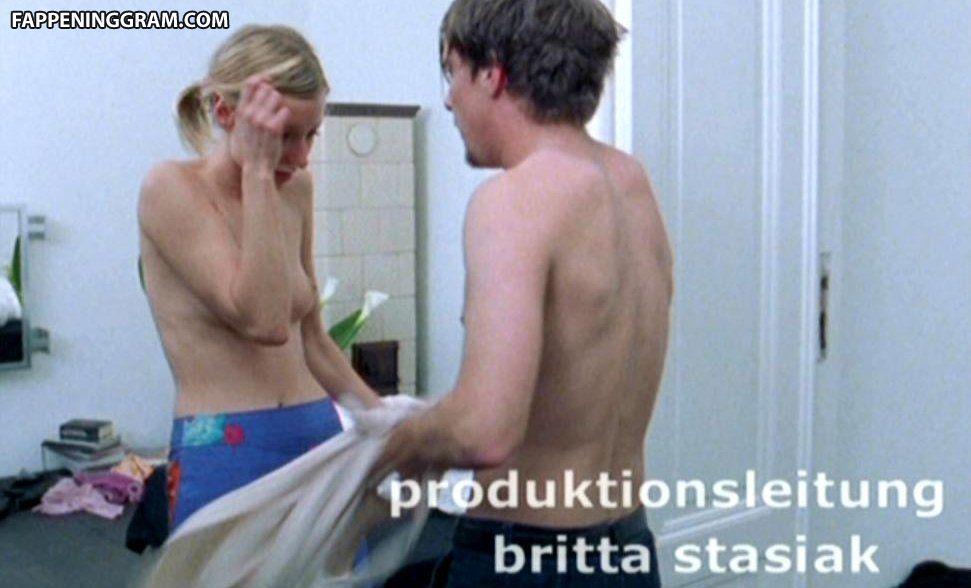 Marie nackt  Lisa Bolick Lisa Marie