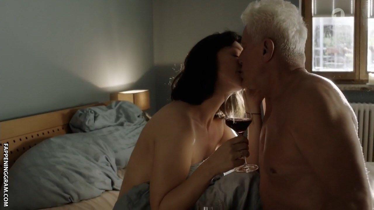 Jayne Grosvenor  nackt