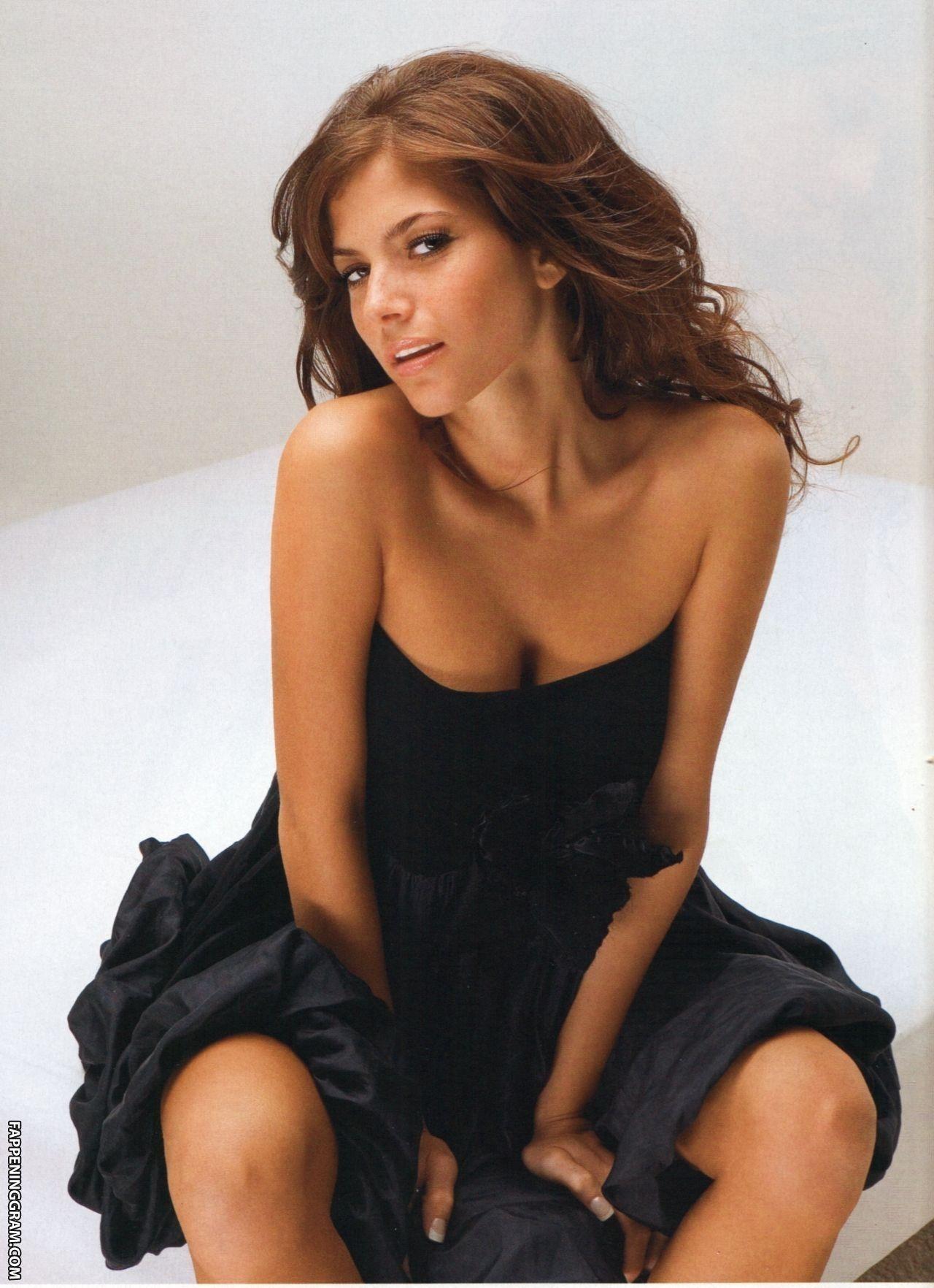 Weronika Rosati Nude