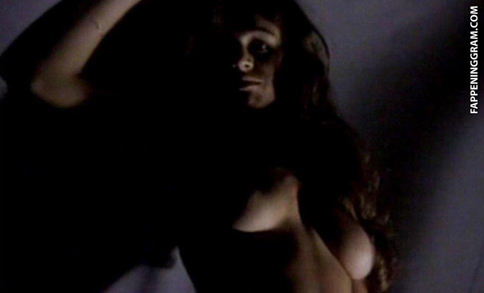 Jennifer nackt Mayo Discover Jennifer