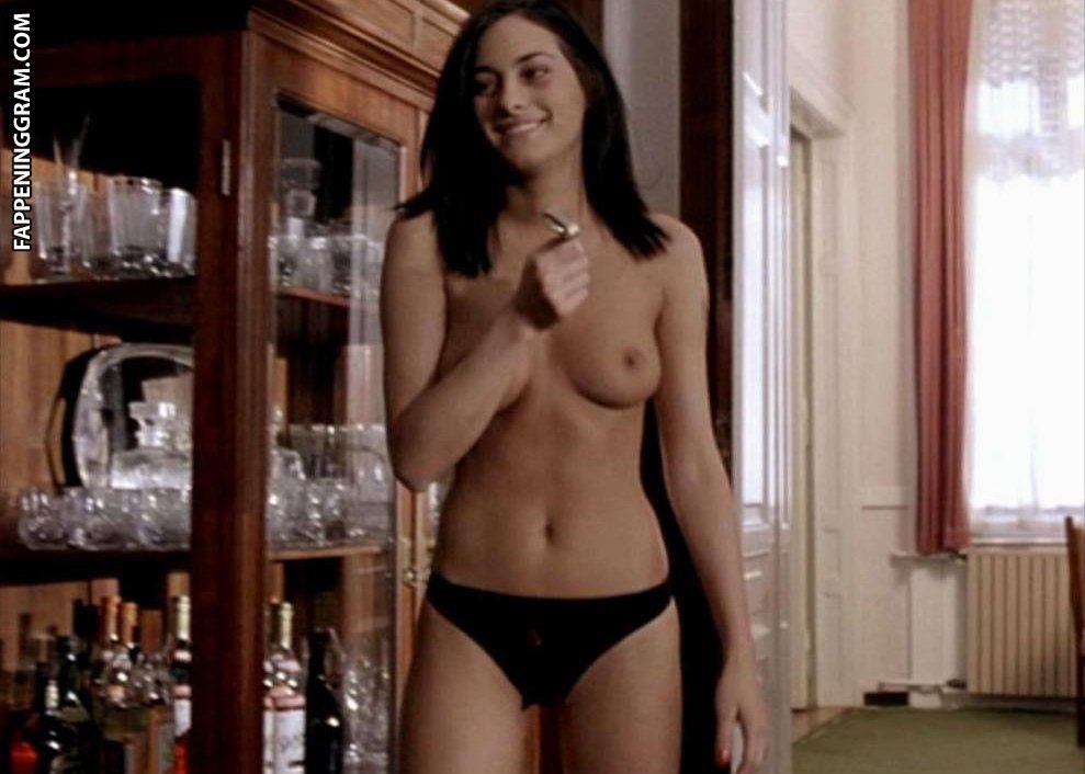 Zita Görög Nude