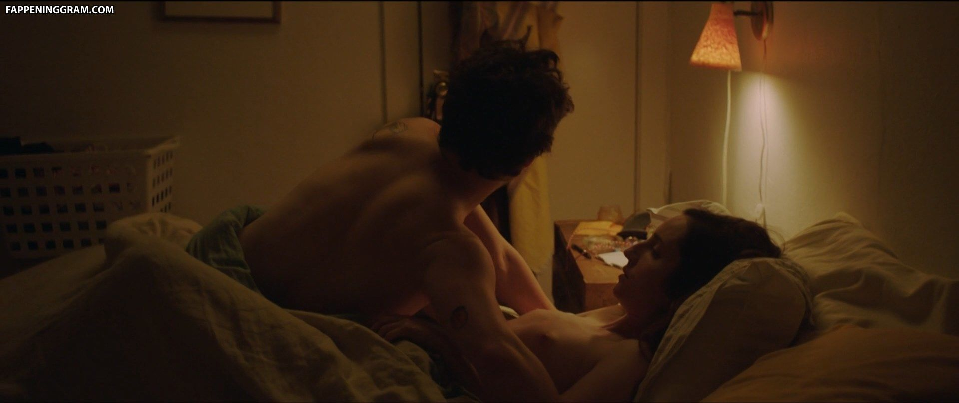 Zoe Lister-Jones  nackt