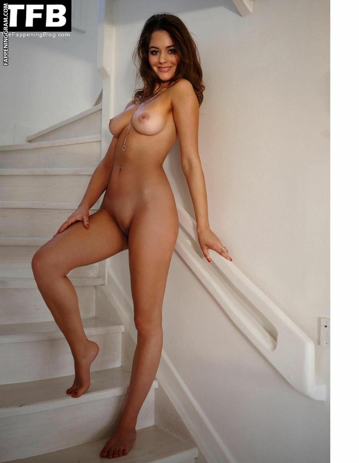 Zoelle Frick Nude